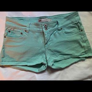 Levi's mint shorts